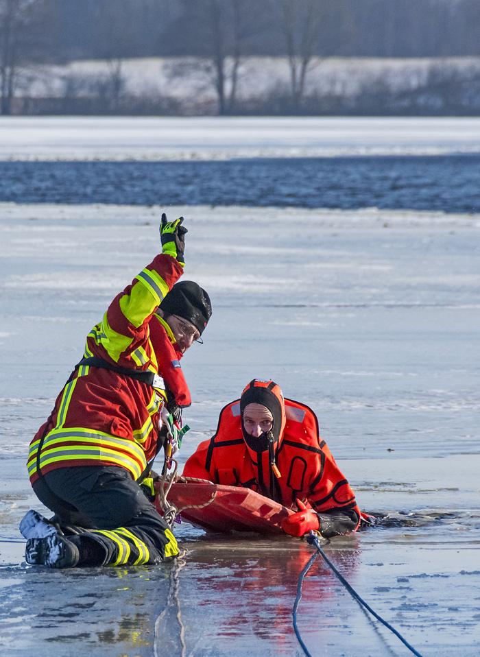 Feuerwehr, Feuerwehr Bordesholm, Freiwillige Feuerwehr Bordesholm, FFB, Eisrettung, Winter, Bordesholmer See