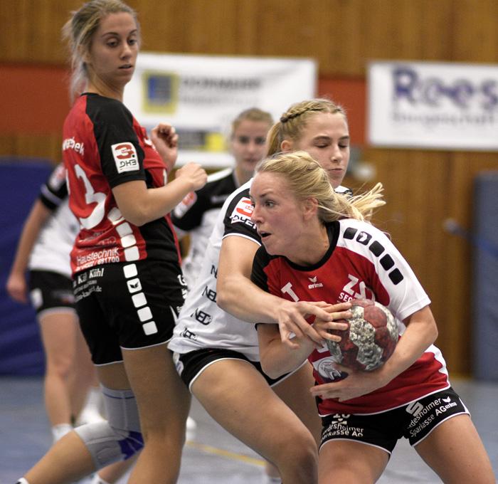 ;TSV Wattenbek Frauen 1. Frauen - TV Hannover Badenstedt (junge Wilden) am 28.10.2018 in Bordesholm,(Langenheisch 27–29),Hans-Brüggemann-Schule,Photo: Michael Slogsnat.