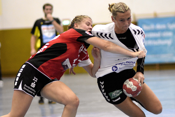 ; HANDBALL 3. BUNDESLIGA FRAUEN TSV WATTENBEK - SV GRÜN WEISS SCHWERIN am 31.10.2018 in Bordesholm,(Langenheisch 27–29),Hans-Brüggemann-Schule,Photo: Michael Slogsnat, Bordesholm.
