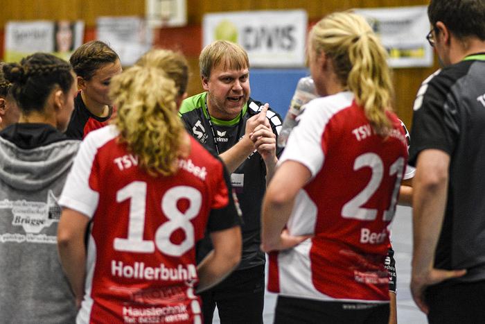;Handball 3. Handball Frauenliga-TSV Wattenbek-Frankfurter HC am 17.11.2018 in Bordesholm,(Langenheisch 27),Hans-Brüggemann-Schule,Photo: Michael Slogsnat.