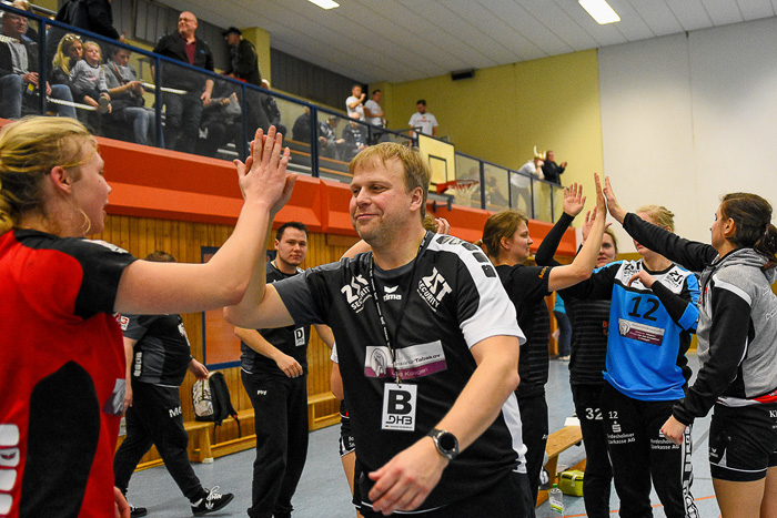 Mit 43:24 (10:20) das Spiel gewonnen. TSV Wattenbek - TSG Wismar (3.Liga) am 17.02.2019 in Bordesholm,(Langenheisch 27Ð29),,Photo: Michael Slogsnat, Bordesholm.
