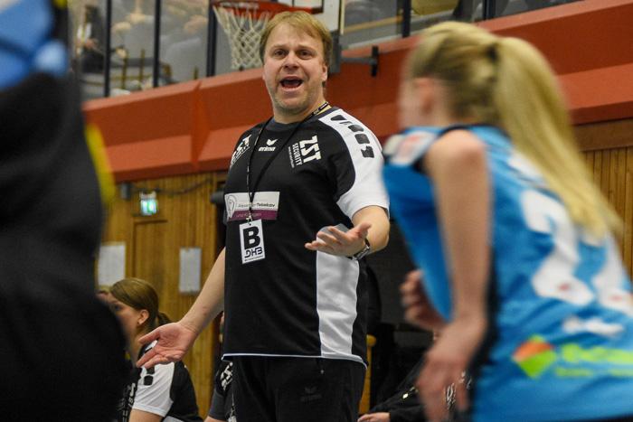 Trainer Andreas Juhra (TSV Wattenbek) war mit einigen Entscheidungen der Schiedsrichter nicht einverstanden. TSV WATTENBEK - HSG J…RL DE VI…L am 17.03.2019 in Bordesholm, Langenheisch 27Ð29, Hans-BrŸggemann-Schule, Photo: Michael Slogsnat, Bordesholm.