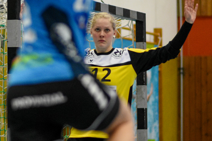 Ein grosser RŸückhalt fŸr die Mannschaft war Torfrau Katharina Kaube (TSV Wattenbek #12). TSV WATTENBEK - HSG J…RL DE VI…L am 17.03.2019 in Bordesholm, Langenheisch 27Ð29, Hans-BrŸggemann-Schule, Photo: Michael Slogsnat, Bordesholm.