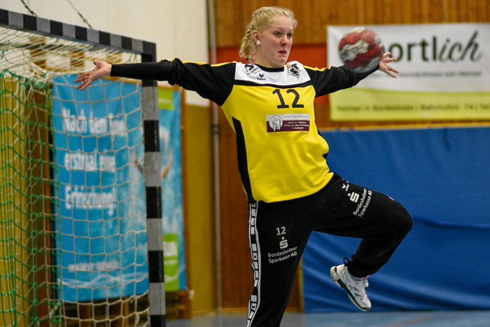 Ein grosser RŸückhalt fŸür die Mannschaft war Torfrau Katharina Kaube (TSV Wattenbek #12). TSV WATTENBEK - HSG J…RL DE VI…L am 17.03.2019 in Bordesholm, Langenheisch 27Ð29, Hans-BrŸggemann-Schule, Photo: Michael Slogsnat, Bordesholm.