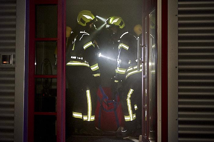. Feuerwehr Jahresabschlussübung am 09.12.2019 in Bordesholm, Eiderhöhe, prima-med GmbH & Co., Photo: Michael Slogsnat, Bordesholm.